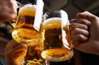 Amigas terminan con gigantesca cuenta tras beber durante once horas en un bar