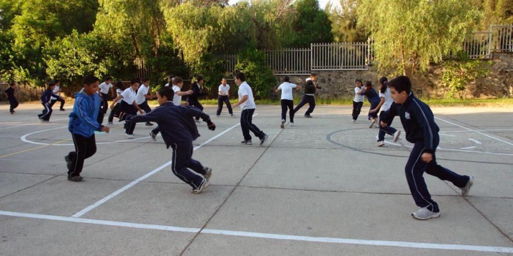 """""""No aprenden lo mismo"""", dicen padres que quieren que niños regresen a las aulas"""