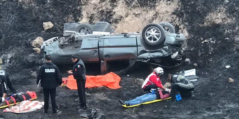 Familia de 6 integrantes sufre volcadura en Aguascalientes