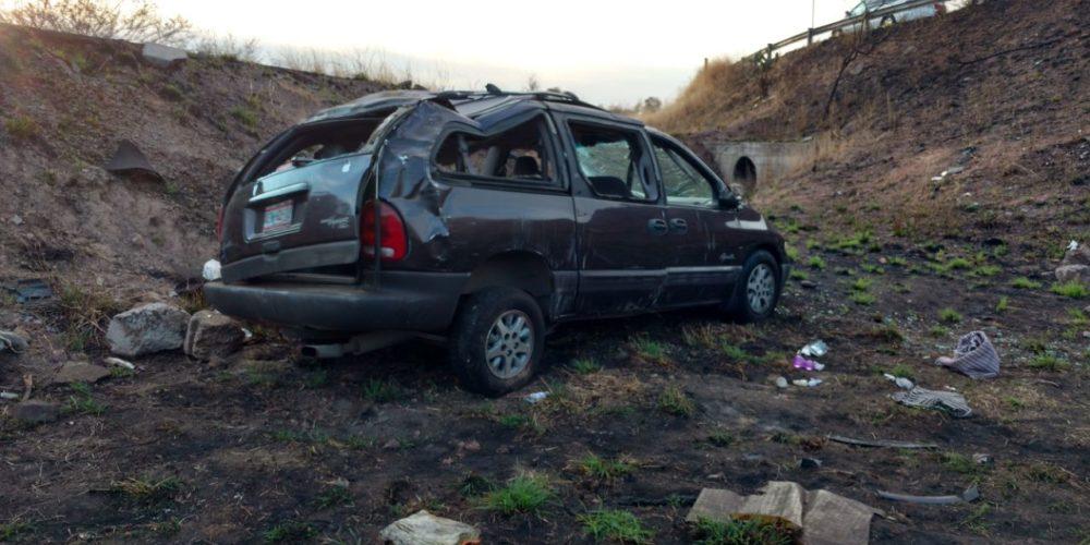Volcadura deja 6 heridos en Aguascalientes