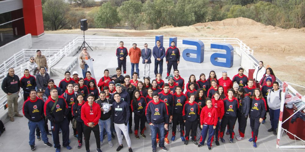 Entrega la UAA material deportivo a sus selecciones deportivas