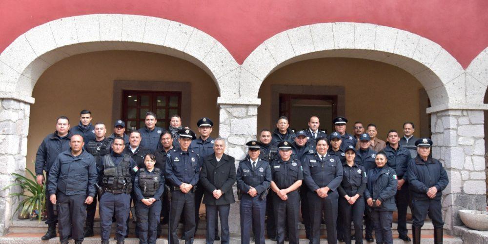Celebra el Ayuntamiento de Jesús María a los policías en su día