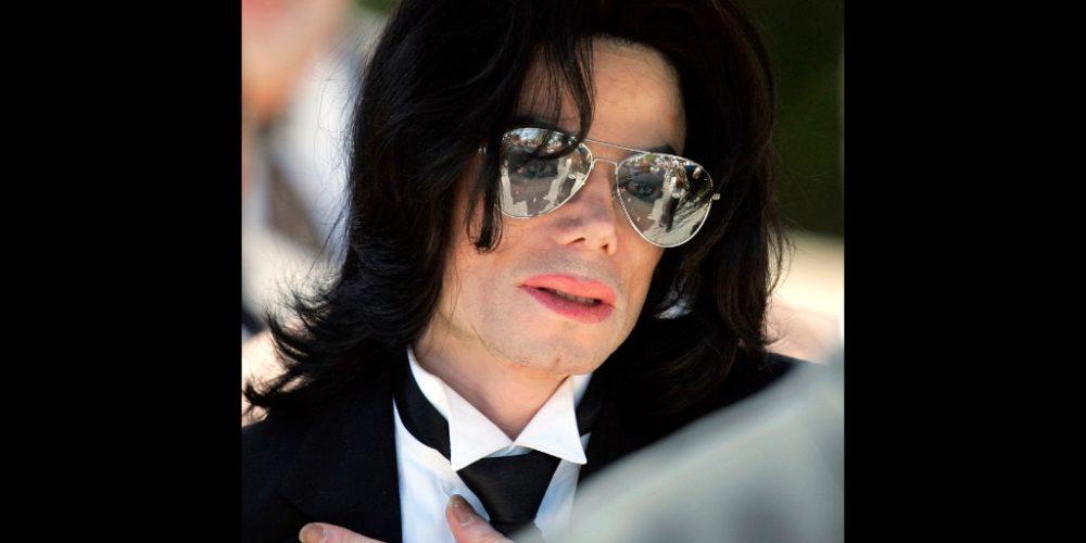 Suspende juez demanda de abuso sexual contra Michael Jackson