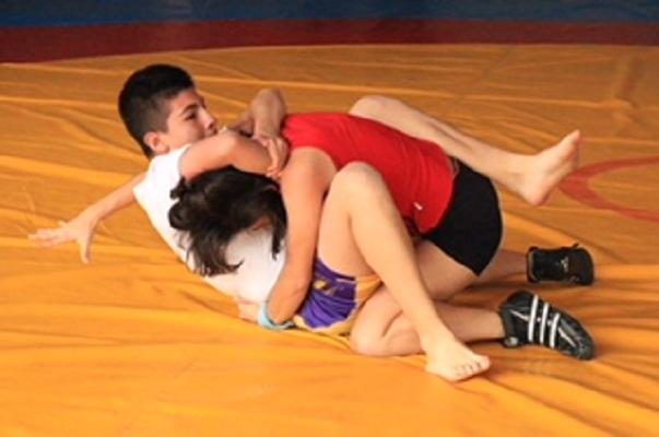 Foguea IDEA a jóvenes en técnicas de lucha cuerpo a cuerpo