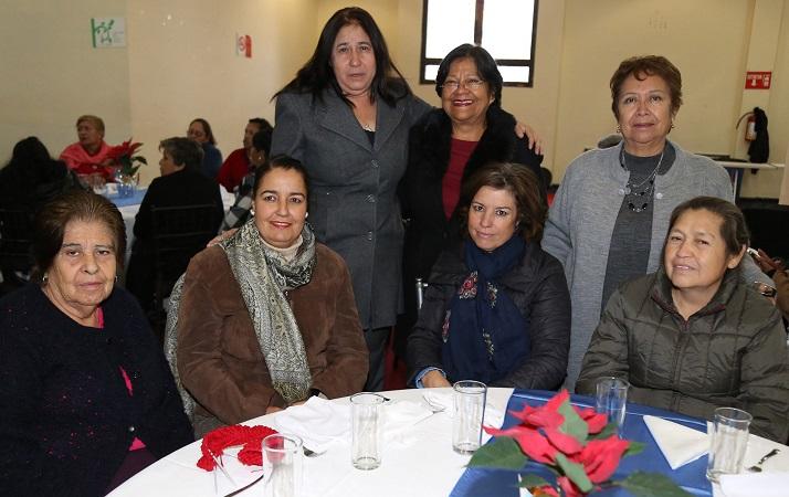 Reconocen trabajo de clubes de adultos mayores en el DIF Municipal de Ags.