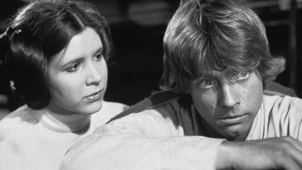 """Hace un año Carrie Fisher murió y """"Luke Skywalker"""" es quien la recuerda"""