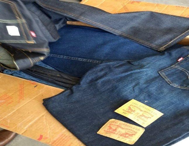 PGR asegura 300 pantalones falsificados en paquetería de Ciudad Industrial