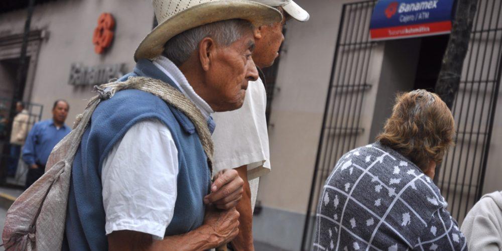 Promete IMSS que el 2 de enero deposita a pensionados