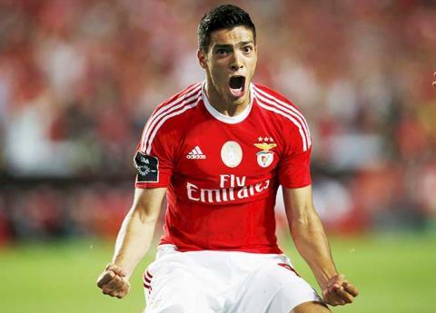 Revelan sueldo de Raúl Jiménez en Benfica