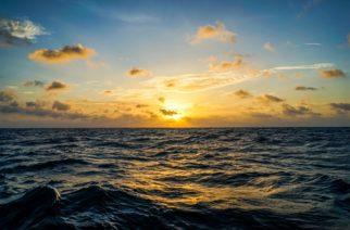 Logran potabilizar agua de mar con luz solar en 30 minutos