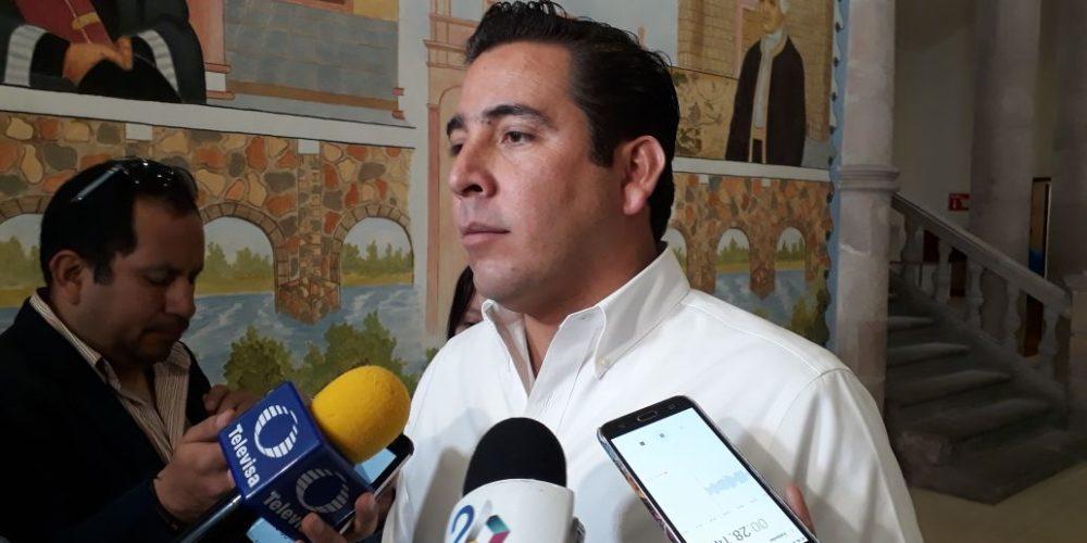 Defiende Báez cambios en gabinete de Orozco