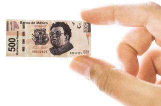 El peso mexicano cae a su peor nivel en 4 semanas frente al dólar