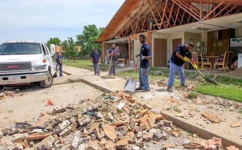 Tornado 'borra del mapa' a un pueblo en Kansas