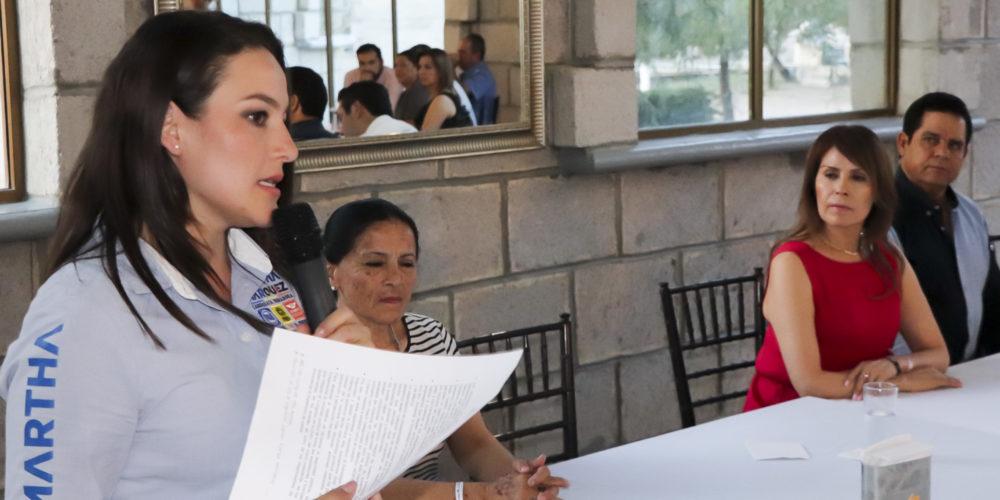 Genera alianza Martha Márquez con empresarios de Aguascalientes