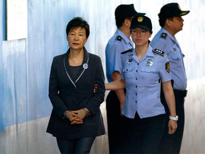 Dictan 8 años más de cárcel a expresidenta de Surcorea