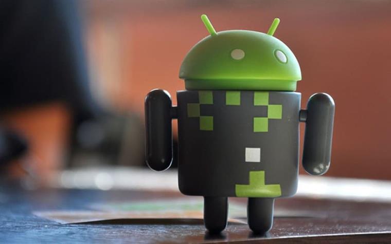 Teléfonos Android recopilan 20 veces más datos que los iPhone, señala estudio