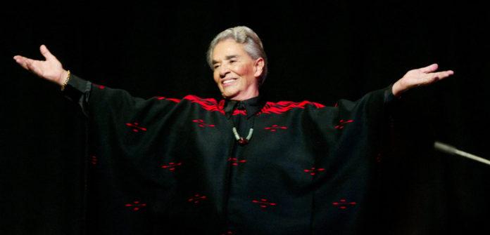 Guadalajara, Jalisco. MÈxico. S·bado 21 de junio de 2003. PresentaciÛn de Chavela Vargas, en el Teatro GalerÌas. El Informador / Jorge Adri·n Rangel Aguirre.
