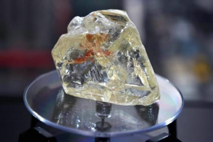 Encuentran un enorme depósito de diamantes bajo la superficie terrestre