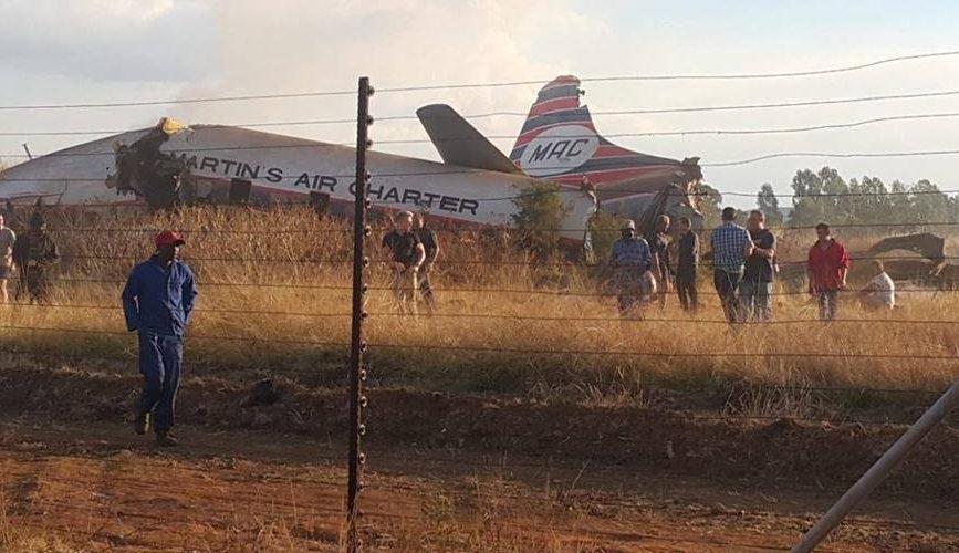 Avionazo en Pretoria, Sudáfrica, deja un muerto y 19 heridos