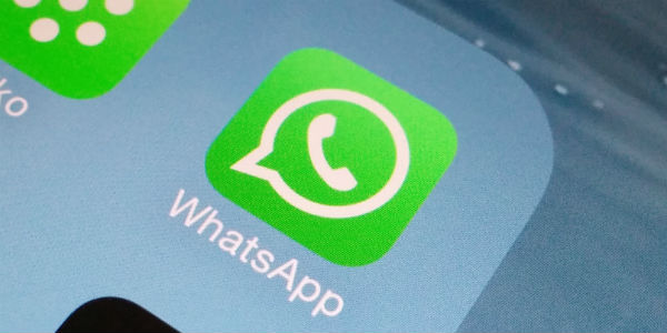 WhatsApp ya avisa del reenvío de mensajes