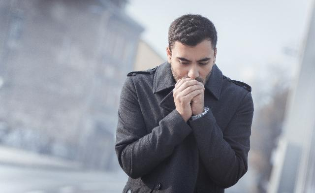 El clima frío dificulta el combate a la pandemia
