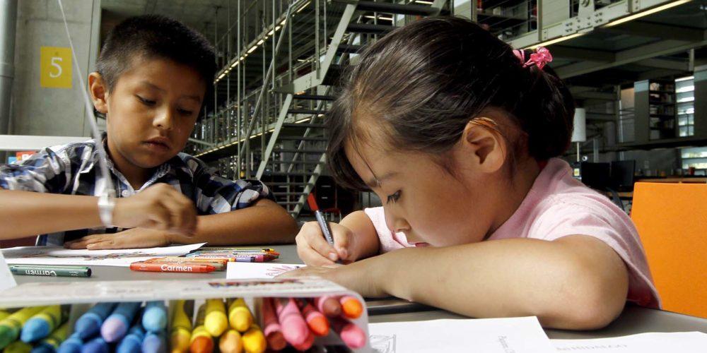 30428031. México, D.F.- La Biblioteca Vasconcelos celebró a las niñas y niños de México con una expericna cultural donde autores, poetas, ilustradores, actores, directores, músicos, cantantes y artistas, transmitieron a los pequeños ideas y emociones, en el marco del Día del Niño. NOTIMEX/FOTO/JORGE ARCIGA/JAA/HUM/