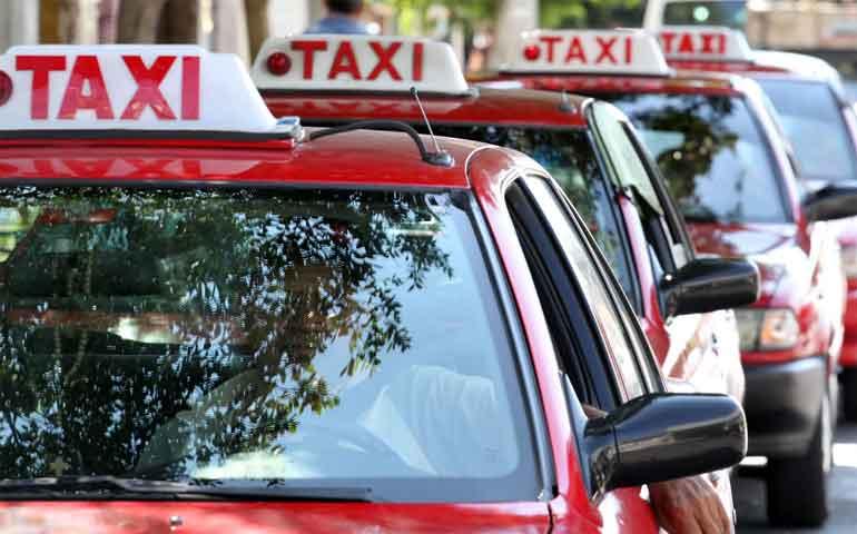 De capa caída taxistas de Aguascalientes. Pasaje no repunta y cae en 30%