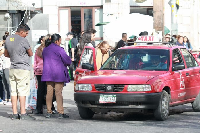 """Taxistas de Aguascalientes deben cumplir con su trabajo para pedir beneficios"":Ramírez"