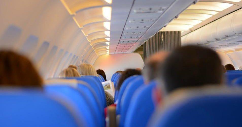 Esta es la razón por la que tus oídos se tapan cuando viajas en avión