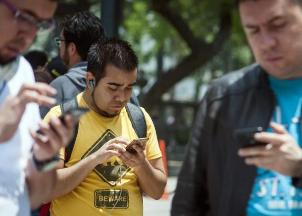 Android lanza función que impedirá usar el celular mientras caminas