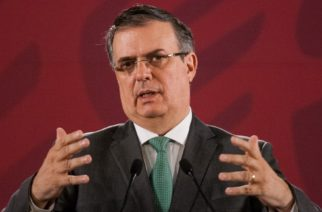 México pide a EU no cerrar frontera para comercio por coronavirus