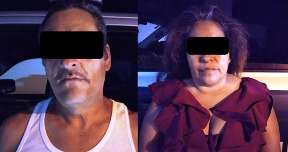 Detienen a pareja por tratar de evadir alcoholímetro y agredir a un policía