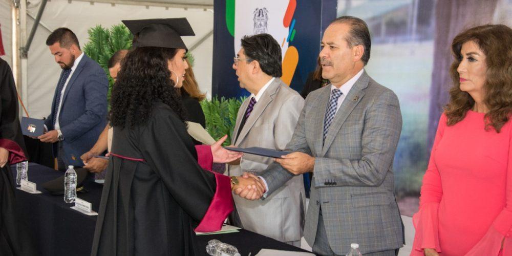 Aguascalientes esta formando en sus universidades el talento que exige el mercado laboral:MOS