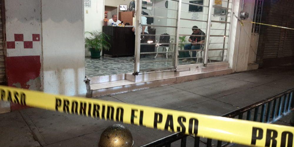 Encuentran mujer muerta y con huellas de violencia en hotel de Aguascalientes