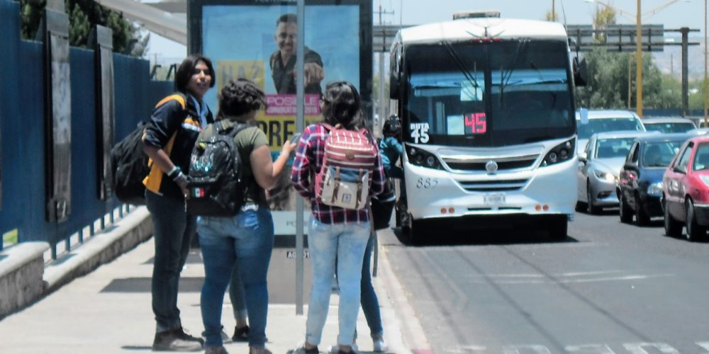 Utilidades de urbanos en Aguascalientes caen  60% por falta de clases presenciales