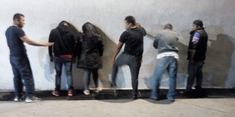 Por peleoneros detienen a 5 sujetos y una mujer en Aguascalientes