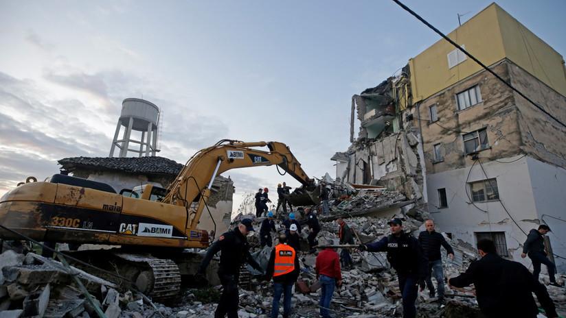 Suman 13 muertos y 325 heridos por sismo en Albania