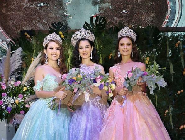 Coronan a reina de la Feria Nacional de la Guayaba en Calvillo