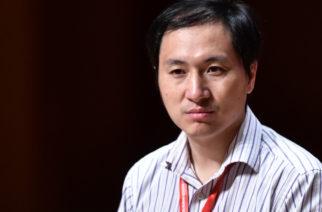 Encarcelan a científico chino que modificó genéticamente a dos bebés