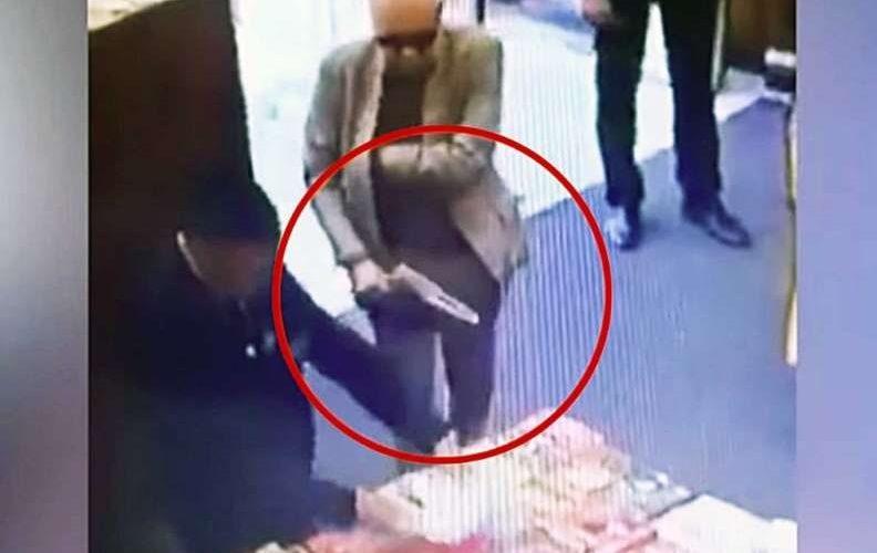 Embajador de México en Argentina asegura que no tuvo intención de robar un libro