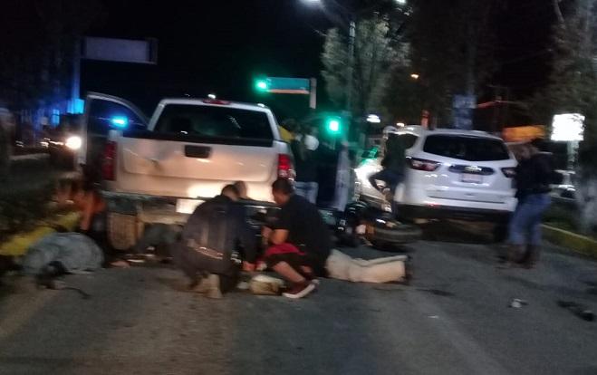 Motocicleta provoca aparatoso accidente en Aguascalientes