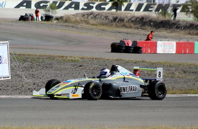 Gran actuación de Chara Mansur Jr. en la FIA F4 en Aguascalientes