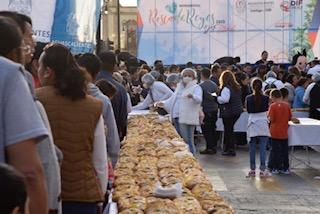 DIF de Aguascalientes  invita a compartir la gigante Rosca de Reyes este 3 de enero