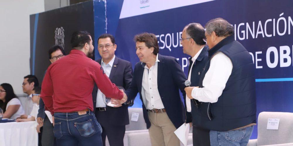 Entrega Gobierno de Aguascalientes 11 mdp para obras a constructoras locales