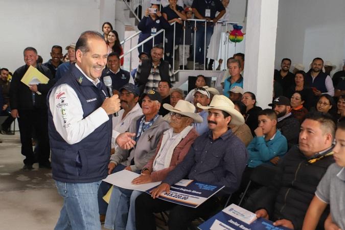 Entrega MOS apoyos a productores lecheros de El Llano