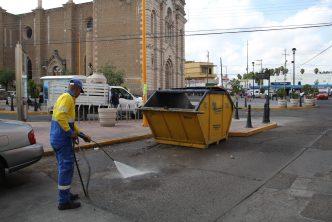Realizan lavado profundo previo a instalación de tianguis de La Purísima