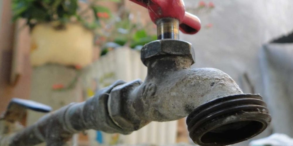 Acusan a personal de Veolia de amenazar con hacer cortes de agua
