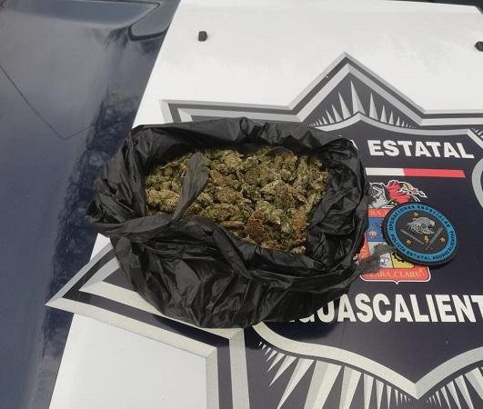 Detienen a adolescente con casi un kg. de marihuana en Aguascalientes