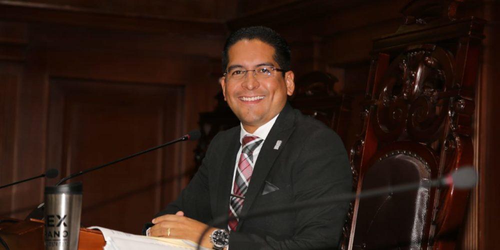 Presidente del Congreso de Aguascalientes utiliza programa de gobierno estatal para promover su imagen