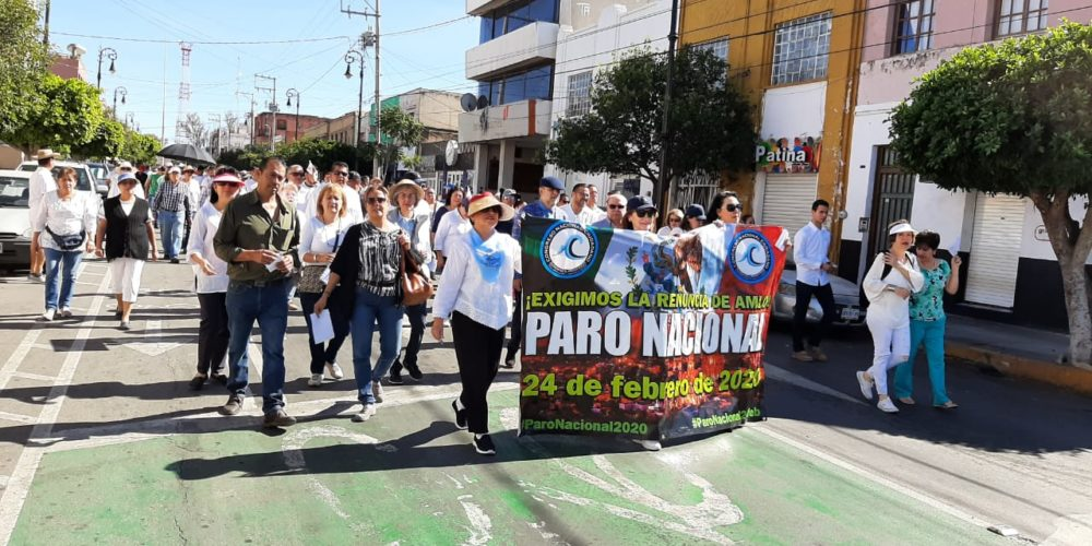 Marchan cientos contra gobierno de AMLO en Aguascalientes